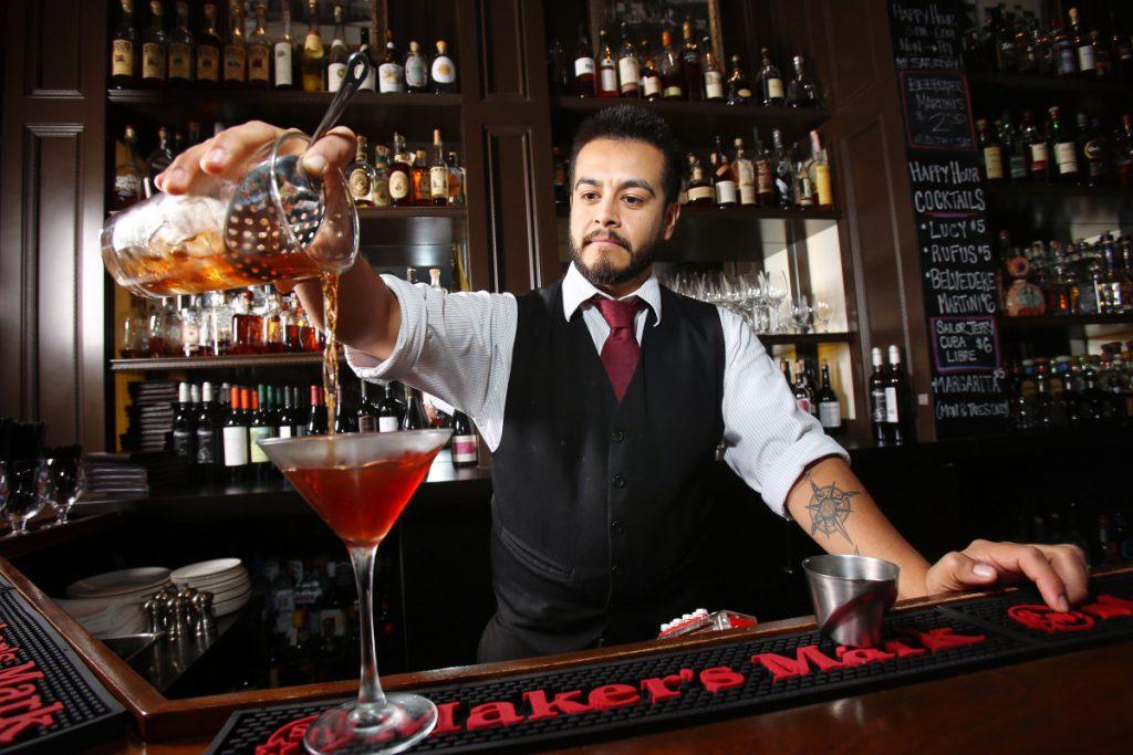trabajar en londres como bartender